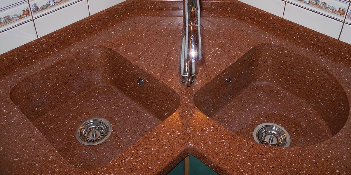 угловая двойная мойка для кухни из искусственного камня